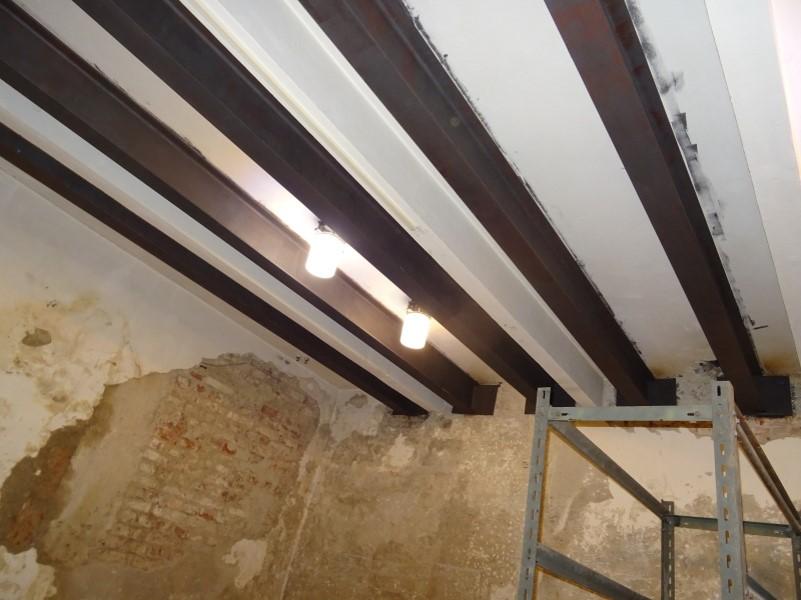 příklad požárně neošetřené nosné konstrukce stropu